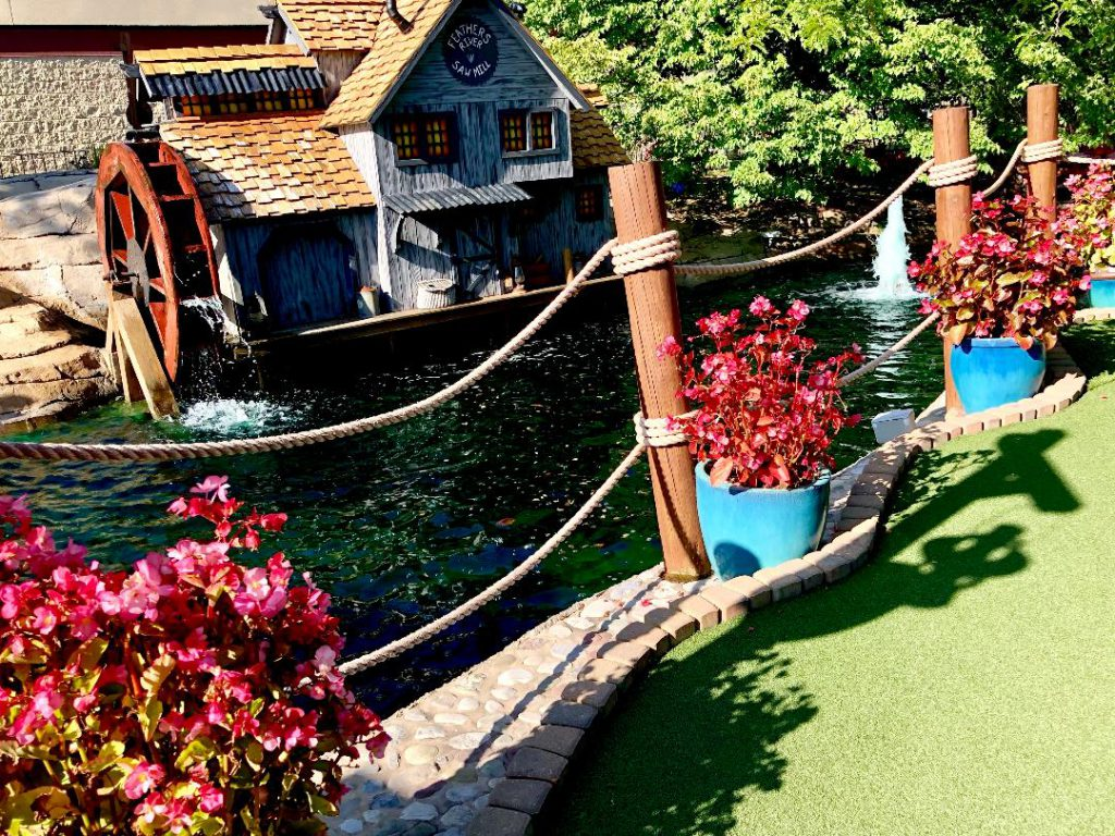 Clubhouse Fun Center Miniature Golf in Greece, New York. Photo by Michael Aaron Gallagher.